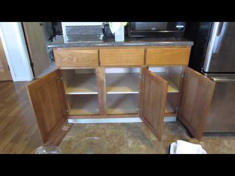 Becoming Minimalist: Kitchen Cabinet Clean Out