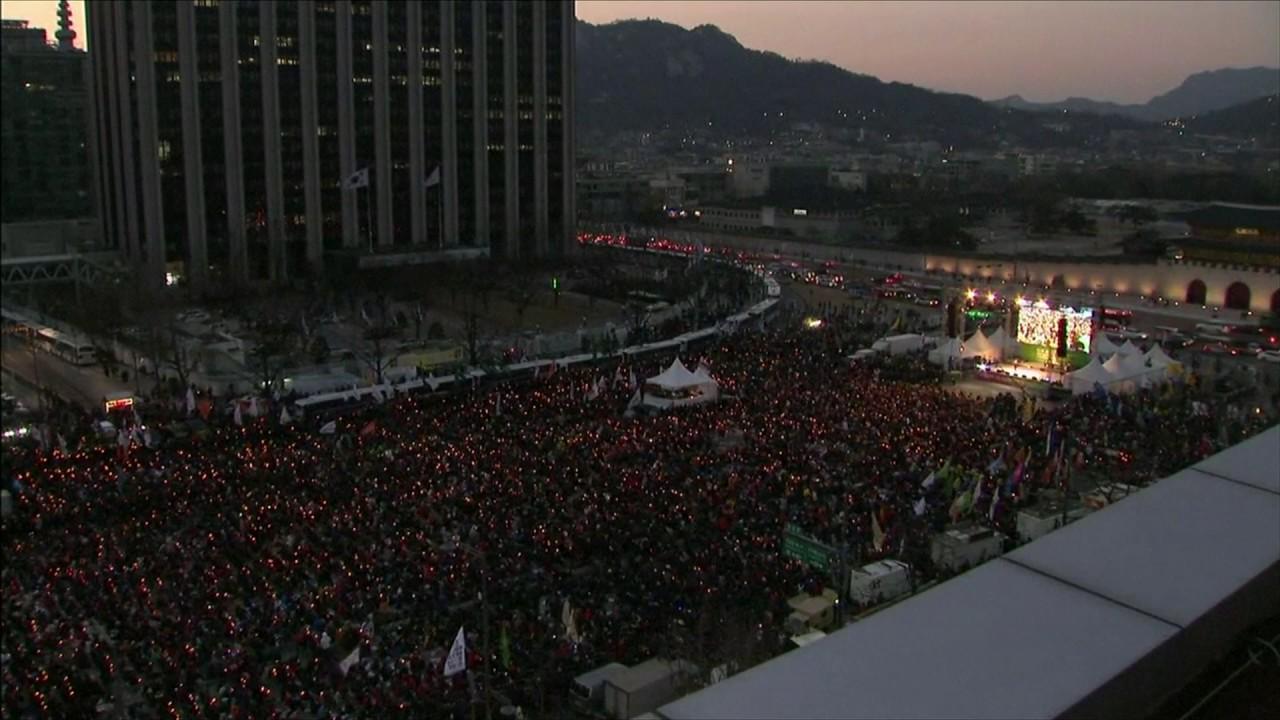 South Koreans protest against president