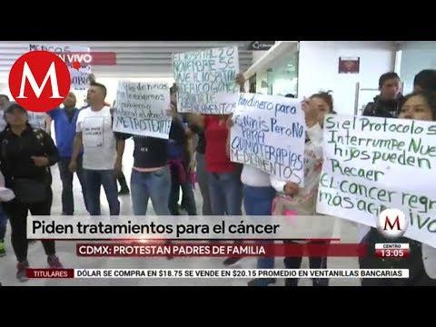 Por falta de tratamientos contra el cáncer, padres toman AICM