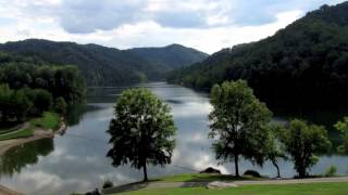 "Elvis Presley - "" Kentucky Rain "" - ( Images of Kentucky - USA )"