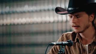 "Brewery Sessions - Colter Wall - ""The Devil Wears a Suit and Tie"""