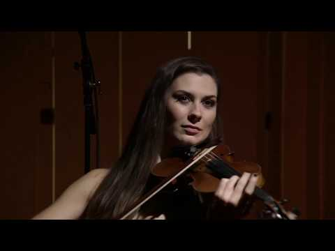 'Salut d'Amour' by Elgar - live performance by violinist Emma Fry