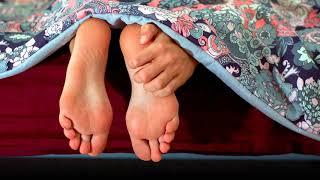 Как смягчить грубую кожу на пятках, на ногах в домашних условиях?