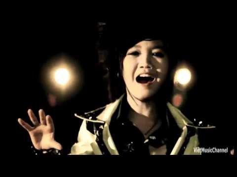 Nhóm nhạc HKT Mẹ đã xa rồi