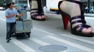 Giantess In CSL Commercial