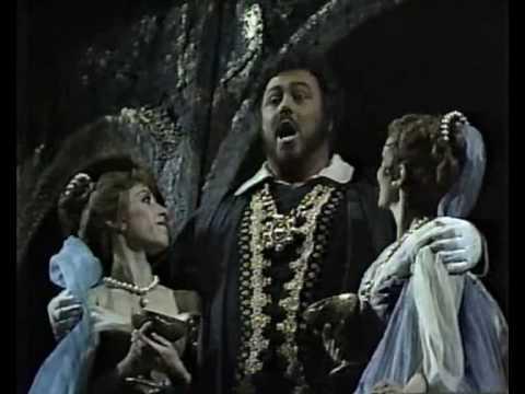luciano-pavarotti-questa-o-quella-live-1981-henry-moore
