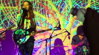 Tame Impala - Feels Like We Only Go Backwards (live in Rio - 2014-11-26)