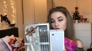 One of Lilly Mae's most viewed videos: WHAT I GOT FOR CHRISTMAS 2016