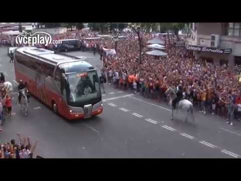 Valencia CF bus arriving at Mestalla!