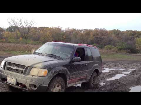 Dodge Dakota Verse Ford Explorer Sport Off road
