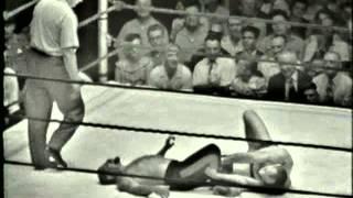 Antonio Rocca V Karl Von Hess 1/2 1961 MAIN EVENT COMISKY PARK