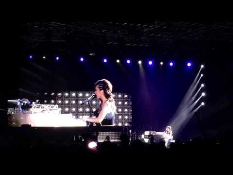 G.E.M 邓紫棋 - 新加坡站 - 与歌迷对话 + final encore