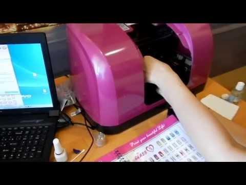 Струйная печать на ногтях