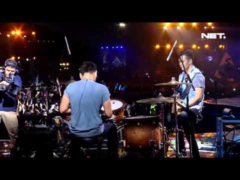 Iwan Fals ft Nidji - Diatas Awan - Konser Suara Untuk Negeri Jakarta