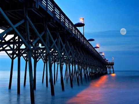 Moonlight Feels Right  --  Starbuck