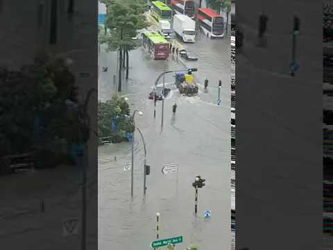 Flooding at junction of Upper Changi and Bedok North Ave 4