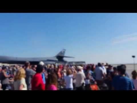 Air Force Thunderbird's precision jet Air Show Mtn Home Low Fly By F16