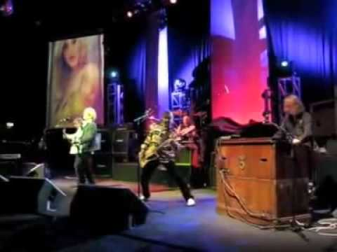 13 Angeline Mott the hoople complete 1st reunion gig 1st oct 2009 hammersmith Apollo.mpg