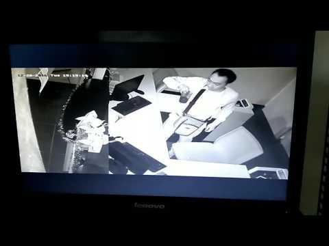 Video CCTV saat pegawai bank Minum Kopi