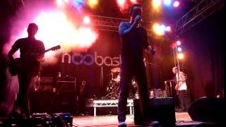Hoobastank - Crawling In The Dark (live in Bristol, May
