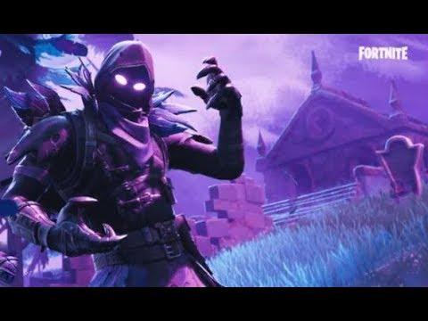 Fortnite Battle Royale Clutch Win As The New Raven Skin Youtube