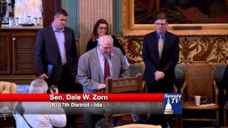 Sen. Zorn welcomes MIS President Roger Curtis to Michigan Senate