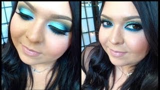 Look: Smokey Skies (A mint smokey blue eye with nude lips) Thumbnail