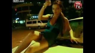 the police had a hard time with sexy girls - seksi kız karşısında polisin zor anları