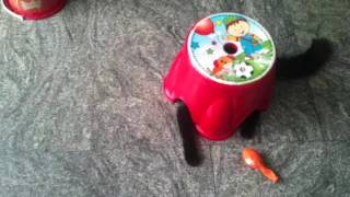 ПРИКОЛЫ Кошка Прячется В Пластиковом Детском Стульчике