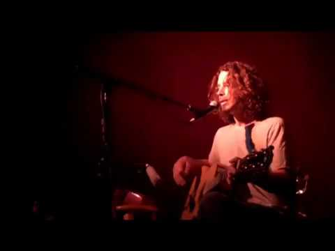 Chris Cornell - 'As Hope and Promise Fade' At Hotel Cafe (3-12-2009)