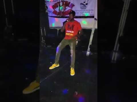 2.0 performs at #WeAreTheCityTour Atlanta