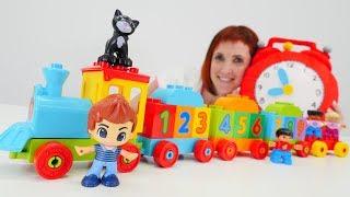 Игрушки Лего Дупло в детском саду у Маши Капуки.