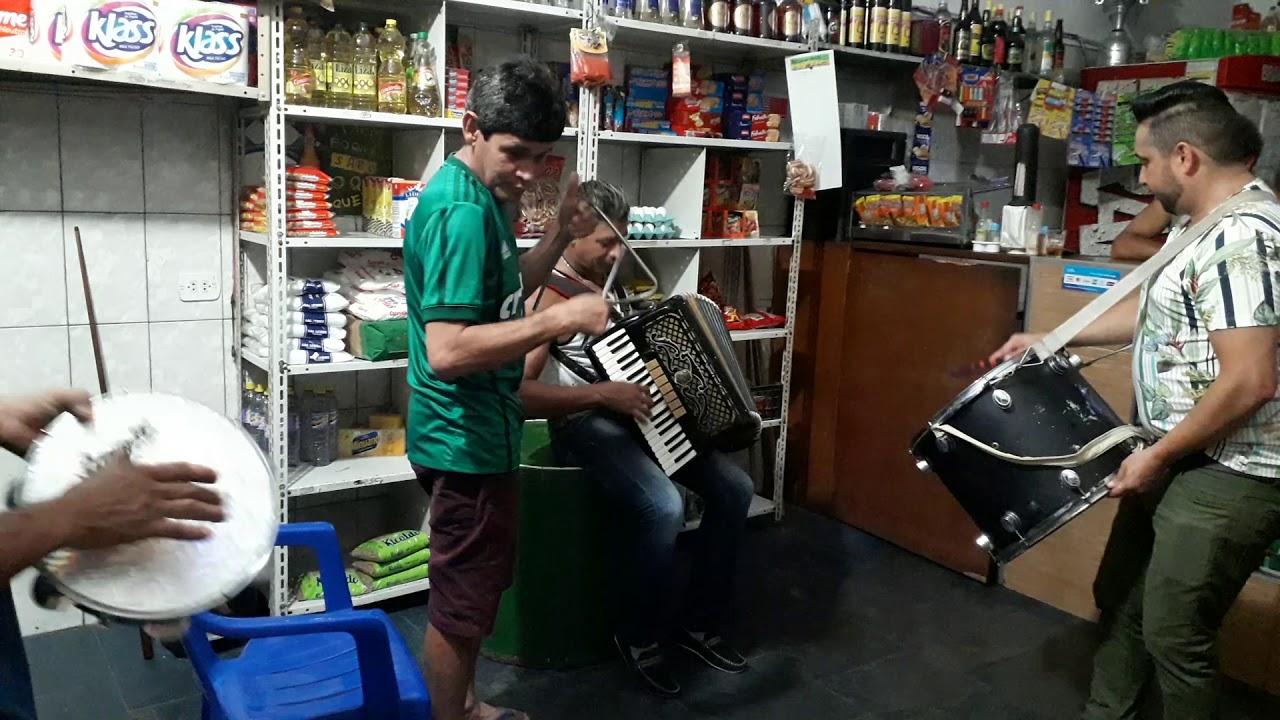 Netinho do acordeon fechando a sexta feira no bar do Titoni - YouTube 0c595e818be