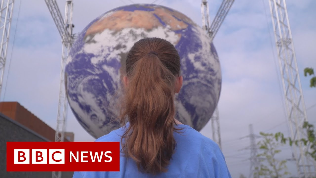 'I care about climate change - but my dad works in the oil industry' - BBC News