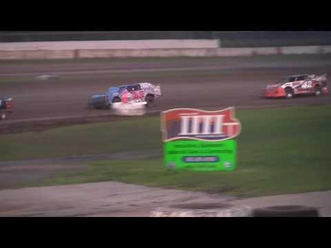 erick turner Davenport speedway solo shot 082616