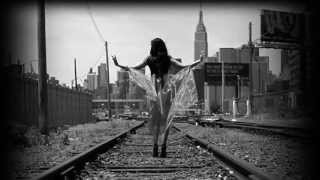 RailRoad Track - Willy Moon