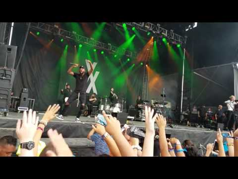 Machine Gun Kelly Trap Paris Live at Lollapalooza 2017