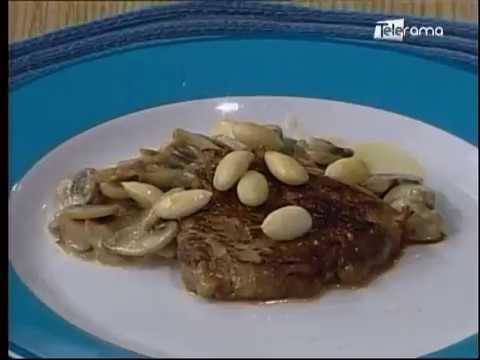 Lomo en salsa de almendras y champiñones