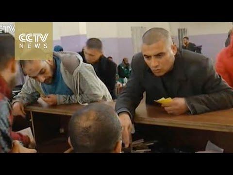 Hamas: Egypt briefly opens Rafah crossing