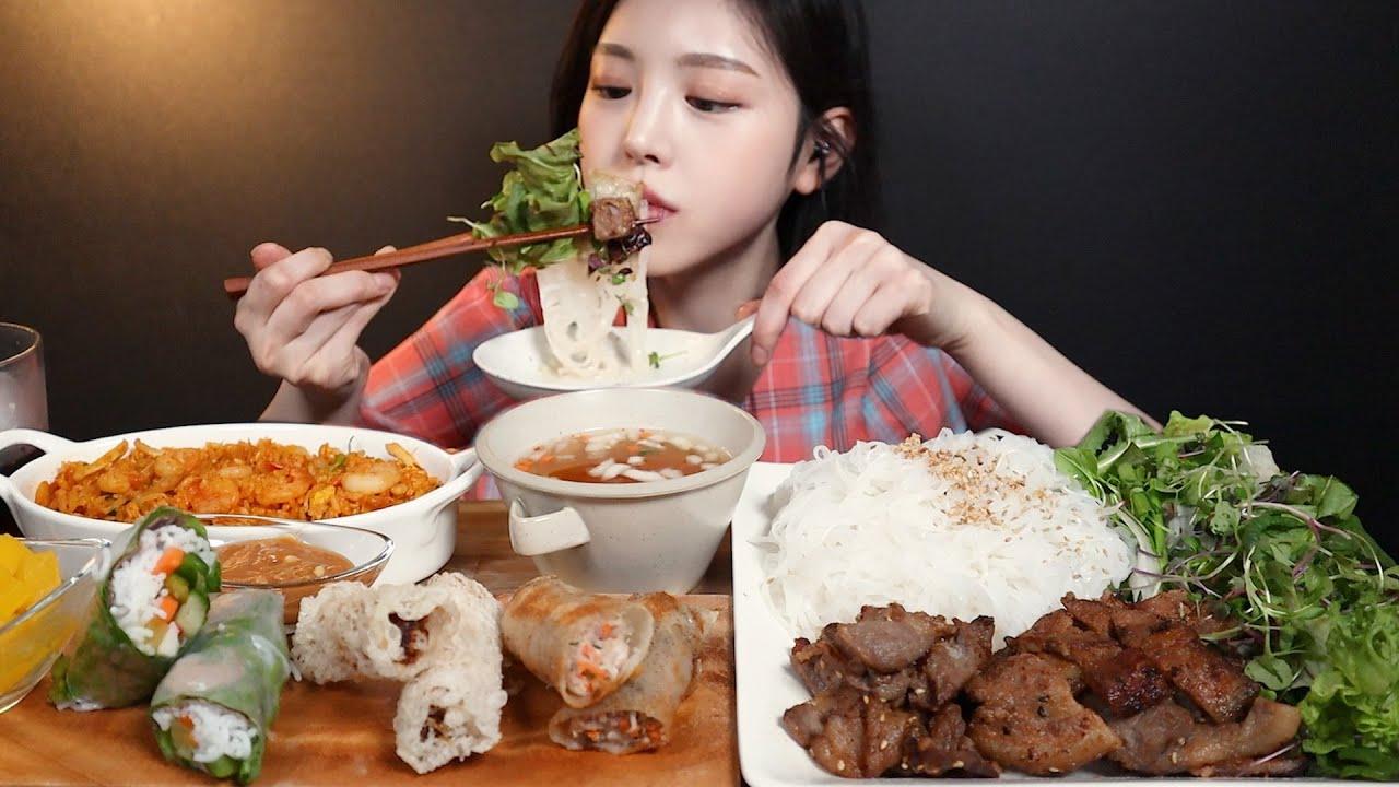 SUB)숯불향 가득 분짜에 매운 해산물볶음밥 먹방 ! (ft.스프링롤 짜조 새우롤) Buncha Spicy seafood fried rice mukbang ASMR