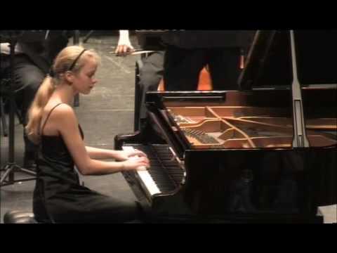 Saint-Säens - Piano Concerto nr. 2 (2nd. mov) Elisabeth Brauss, Macau Youth Symphony & Veiga Jardim