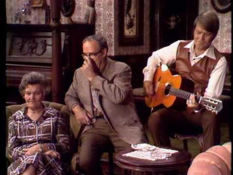 Glen & His Family - The Glen Campbell Goodtime Hour: Christmas Special (20 Dec 1970) - Medley
