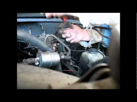 Tuning the old carb on the Jeep CJ7 - YouTube