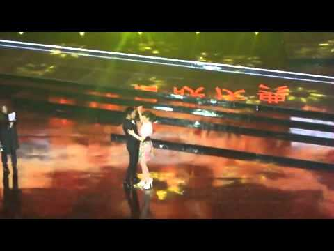 [141127]Song Hye Kyo dancing with Huang Xiao Ming on CCTV6