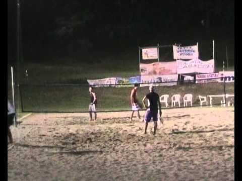 finale maschile finale maschile torneo beach tennis imola 2011 parte 3.wmv