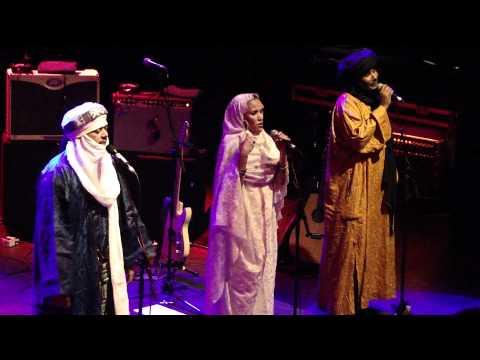 Tinariwen chant,  Shepherds Bush Empire 2012