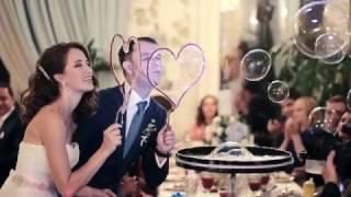 Шоу мыльных пузырей на свадьбе.