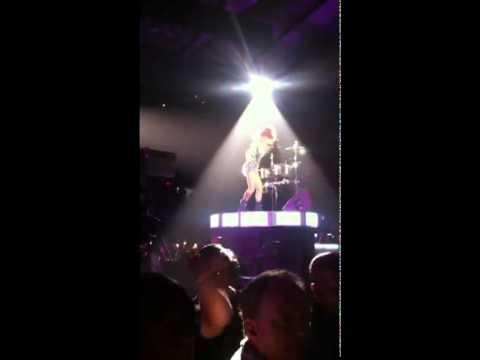 Rihanna Works The Drums-LOUD TOUR - NORTH AMERICA Jun 04 | Baltimore
