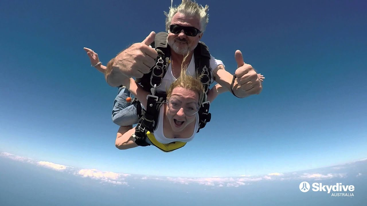 video Mission Beach 15,000ft Tandem Skydive