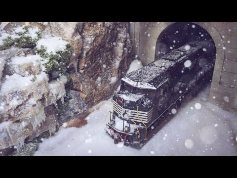 Model Trains In Snow – HO Scale (Realistic Snow Scene)